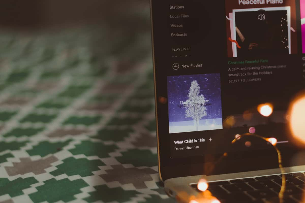 The Ultimate Holiday Playlist for Commuters